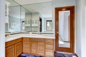 14313-sw-aynsley-way-portland-small-018-11-2nd-floor-master-bathroom-666x444-72dpi